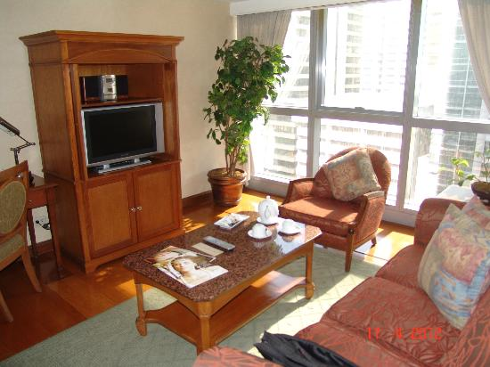 Discovery Suites: SITTING ROOM