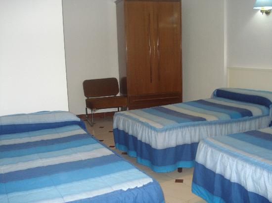 Hostal central hostel reviews price comparison for Hostal zaragoza