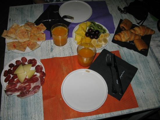 Hotel El Cau de Papibou: Breakfast