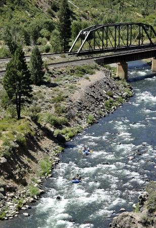 Tahoe Whitewater Tours: Truckee River, Boca Run