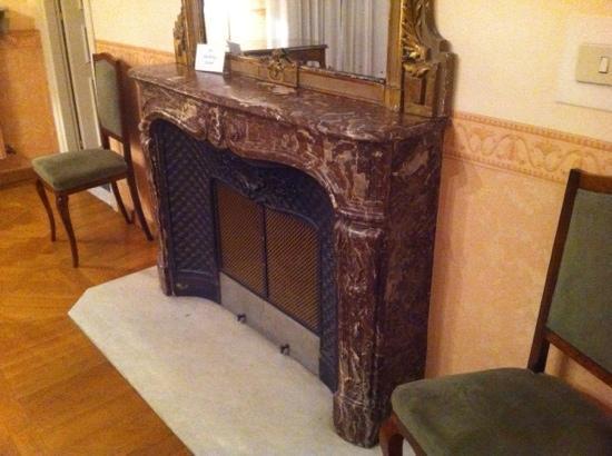 Hotel Roma e Rocca Cavour: La camera