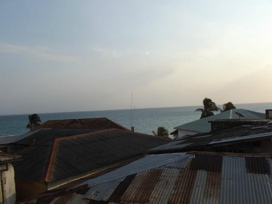 Al Johari: View of Indian Ocean from rooftop restaurant