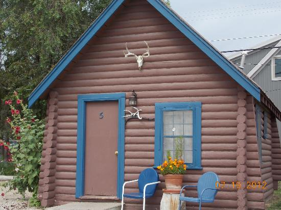 Blue Gables Motel: Single cabin
