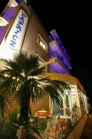 Hotel Caprice: particolare facciata hotel