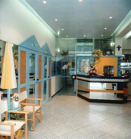 Hotel Caprice: reception