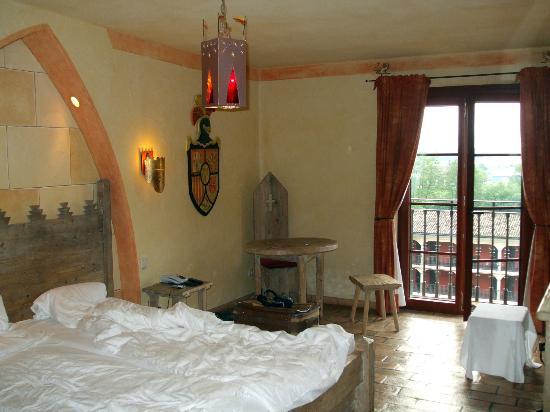 "Hotel ""Castillo Alcazar"" Europa-Park: La chambre côté cour"