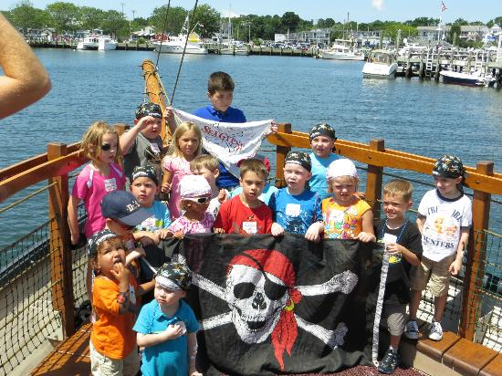 Pirate Adventures Hyannis: Photo op at end of cruise