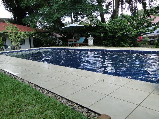 Basaga Holiday Residences: Zwembad