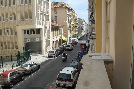 Hotel Berlioz: Zicht vanuit ('balkon' van de) kamer