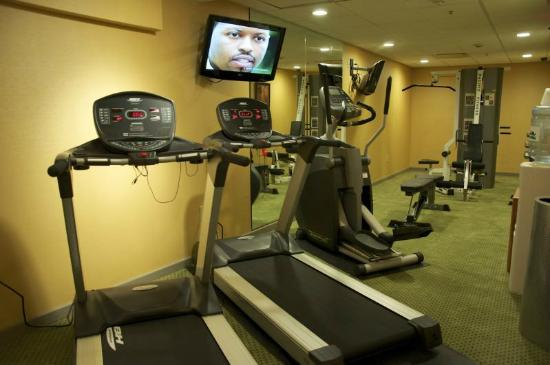 Holiday Inn Express Cleveland Downtown: Fitness Room