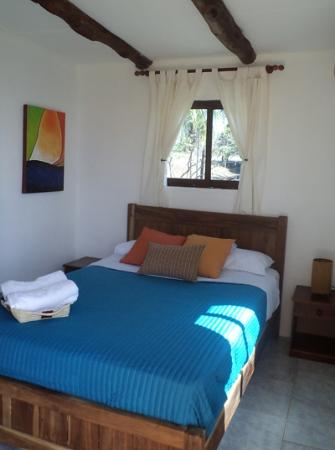 Hostal del Mar: Another view of the comfortable bed.