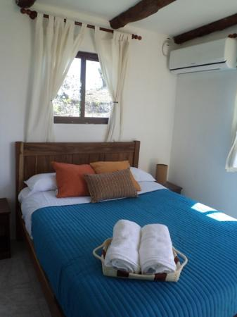 Hostal del Mar: All cabañas have split air conditioning.