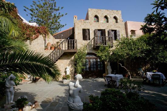 S. Nikolis Hotel & Apartments: garden rooms