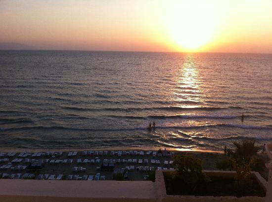 Ladies Beach Hotel: sunset