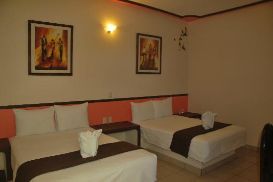 Hotel Central: Habitación doble, triple o cuádruple según preferencias