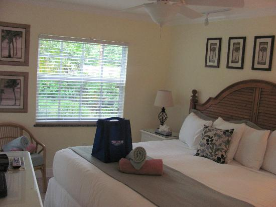 Siesta Key Inn: bedroom