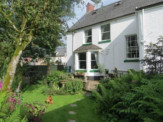 Exmoor Lodge Guest House: House and Garden