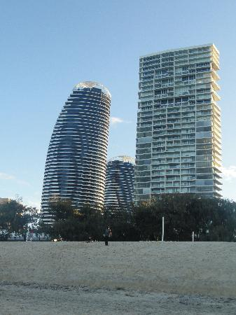 Peppers Broadbeach: Peppers are the two towers to the left