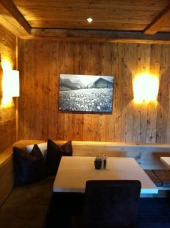Hotel des Alpes by Bruno Kernen: Restaurant