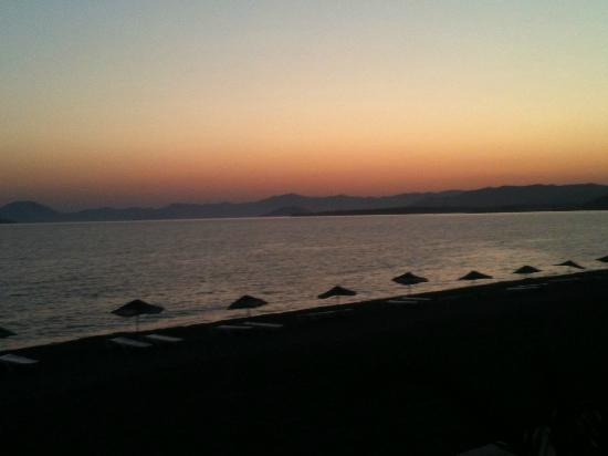 Tugay Hotel: calis beach after sunset