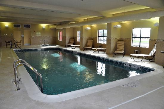 Comfort Inn & Suites: Heated Indoor Pool