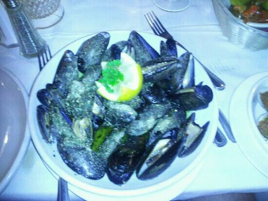Cucina Rosa: mussels in white sauce