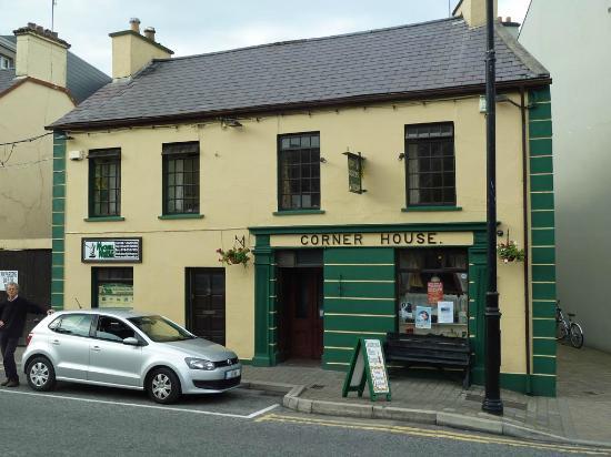 Nesbitt Arms Hotel : Pub Corner House