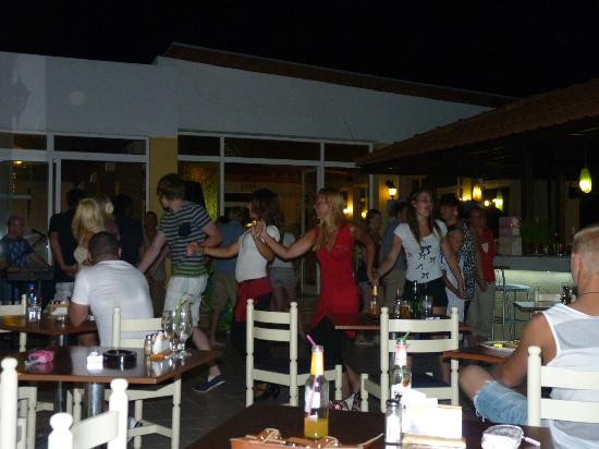 Nefeli Hotel: greek night