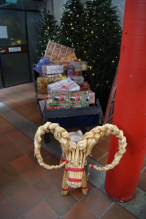 Santa Claus Village: Ein Schlitten vol mit Gaben des Weihnachtsmannes
