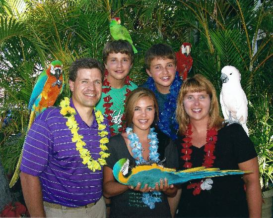 The Birdstand : Outsanding Family Photo - all smiles!