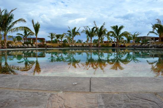 Villa del Palmar Beach Resort & Spa at The Islands of Loreto: Pool side sunset