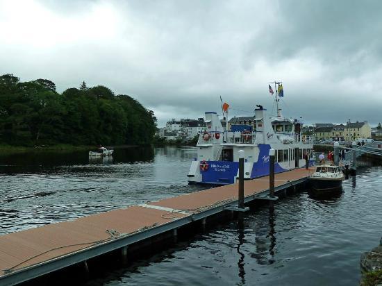 """Donegal Town, Ireland: Das """"Waterbus"""" Ausflugsschiff"""