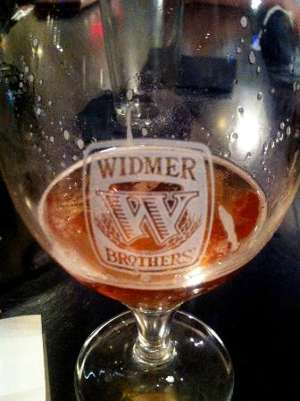 Scholars American Bistro and Cocktail Lounge: Widmer