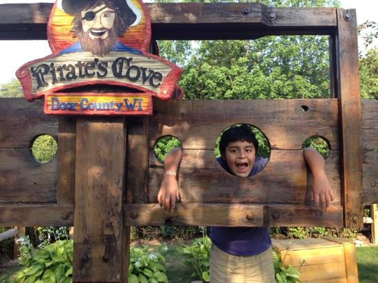 Pirate's Cove Mini Golf: sorry, I forgot to pay!