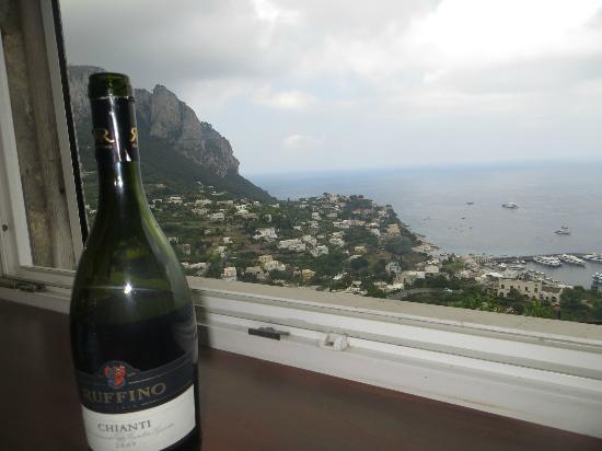 Ristorante Buca di Bacco : Our table with a view in Capri