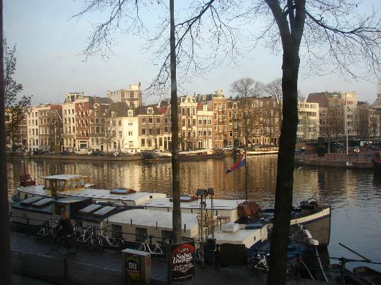 Hampshire Hotel - Eden Amsterdam: View from our room