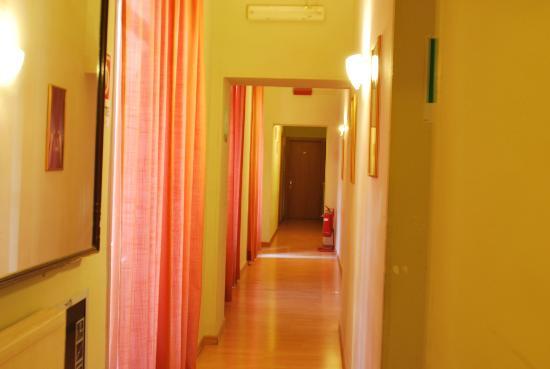 Hotel Giada: corredor do hotel