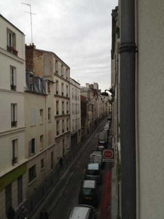 Le 55 Montparnasse Hotel: View looking the other way.