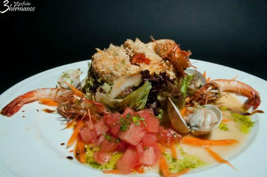 Bar La cepa : Ensalada de Txangurro / Salad with crab