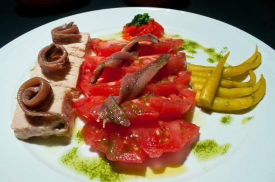 "Bar la cepa : Ensalada Urgull / ""Urgull"" Salad"