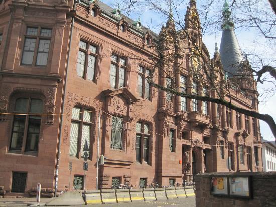 University Library (Universitatsbibliothek): 図書館
