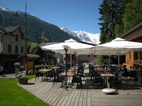 Restaurant Les Chéserys : getlstd_property_photo