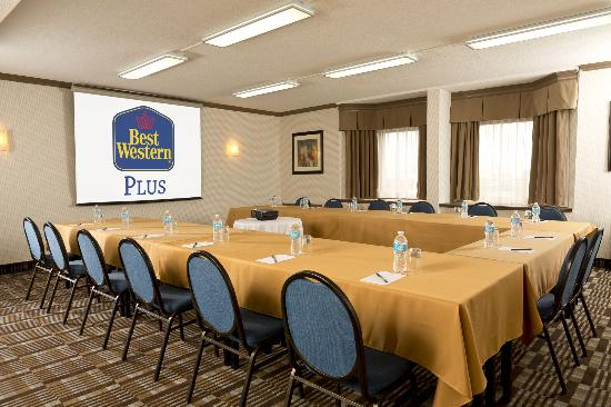 Best Western Laval-Montreal : Salle Sherbrooke Room - a very popular meeting room.  Book early!