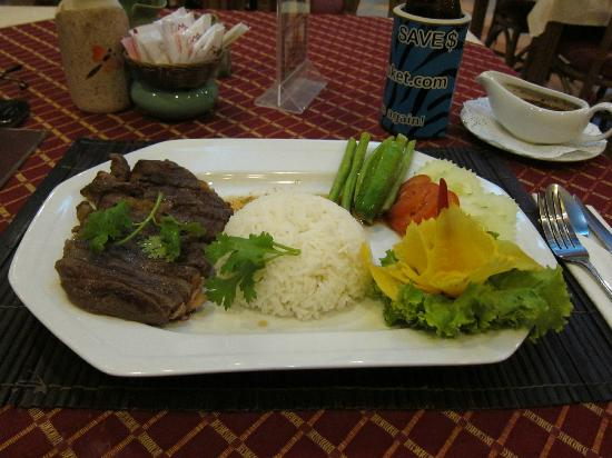 Summer Breeze Hotel: Nice, tasty and tender steak