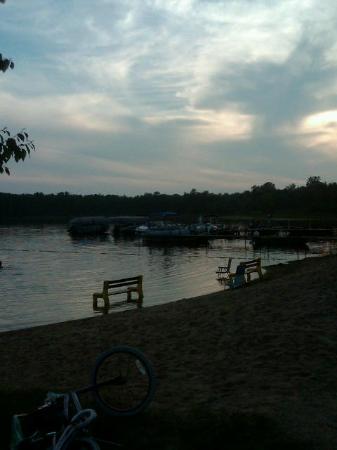 Hamilton's Fox Lake Campground: the swimming beach