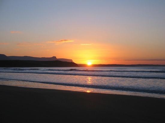 Clarkes B&B: Bundoran Beach
