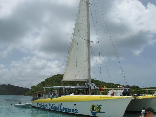 Treasure Island Cruises - Day Tours: our boat