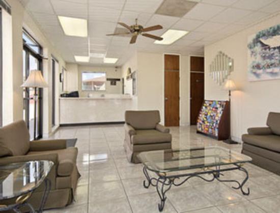 Knights Inn Houston Hobby Airport: Lobby