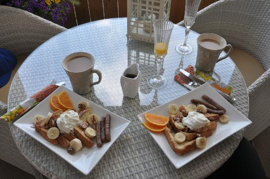 The Hopeless Romantic B and B: Breakfast