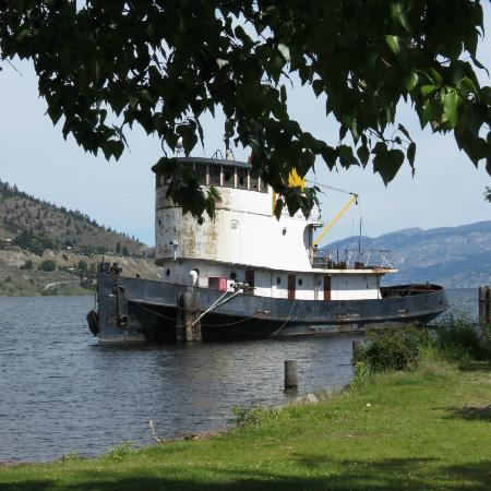 S.S. Sicamous Museum and Heritage Park: Second tugboat awaiting restoration